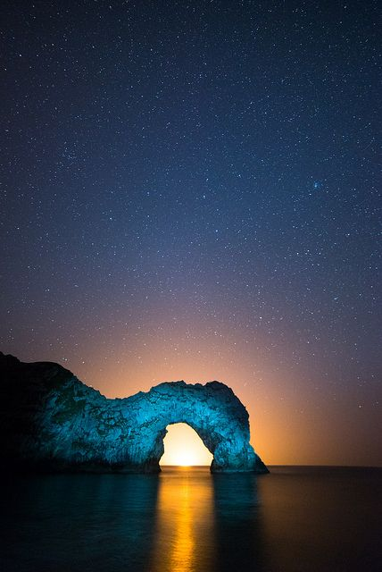 Backlit Durdle Door Portrait, de Stephen Banks