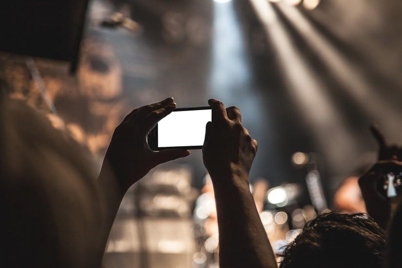 La photographie mobile : amie ou ennemie des photographes ?