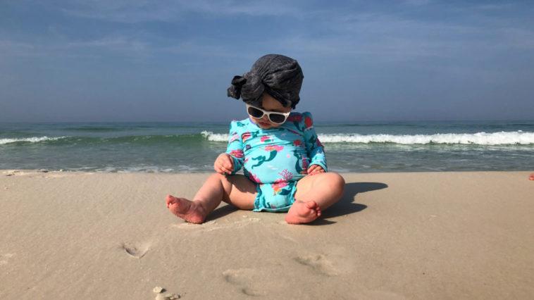 Comment réussir de plus belles photos de votre bébé à la plage ?